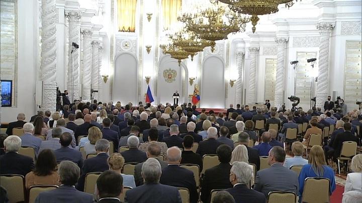 Путин: нам удалось отбить самый жесткий удар эпидемии