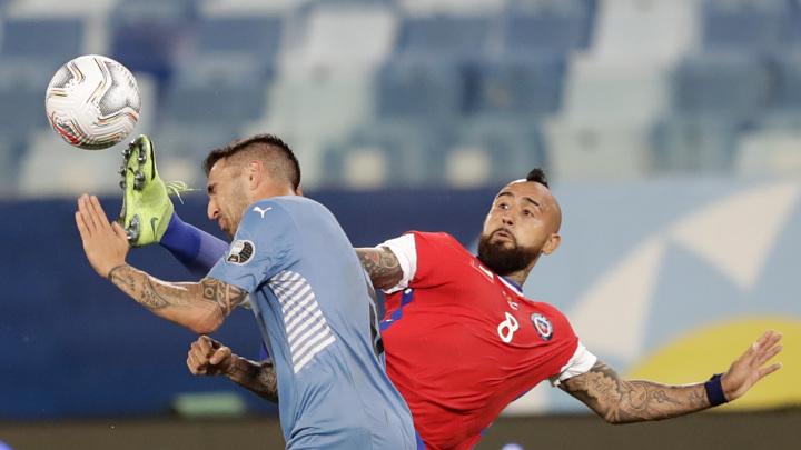 Уругвай и Чили поделили очки в матче Кубка Америки