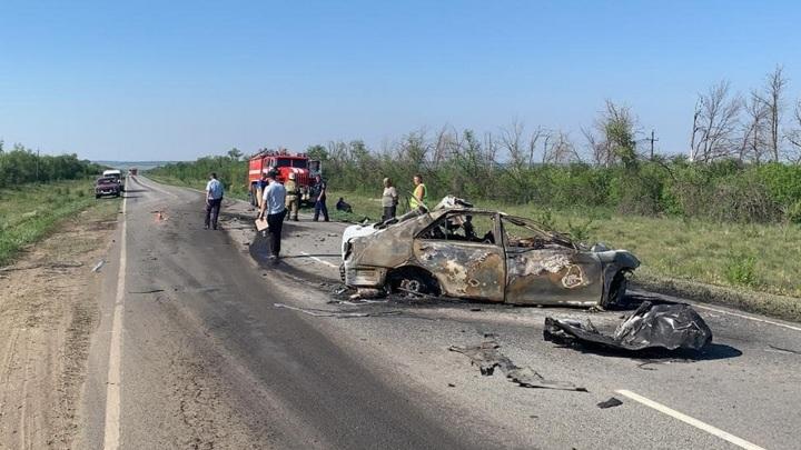 Три человека погибли в ДТП с грузовиком под Самарой