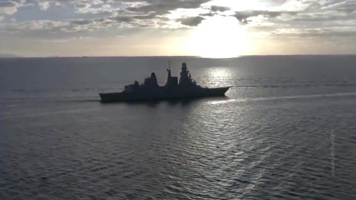 Британский эсминец нарушил границу России: видео ФСБ