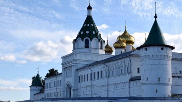 Ипатьевский монастырь в Костроме оштрафовали за незаконную постройку