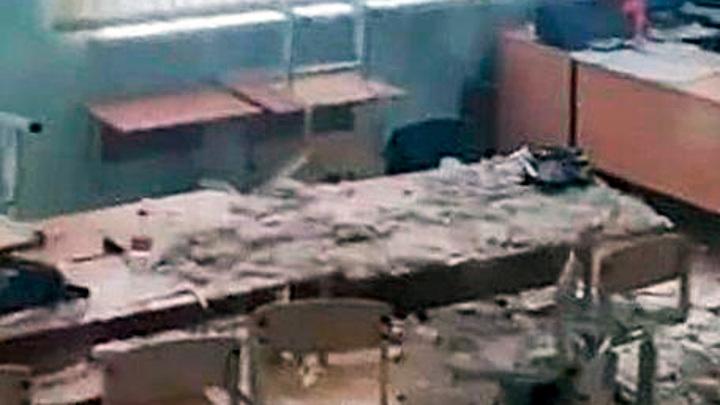 В кубанском поселке на учеников начальной школы обрушился потолок