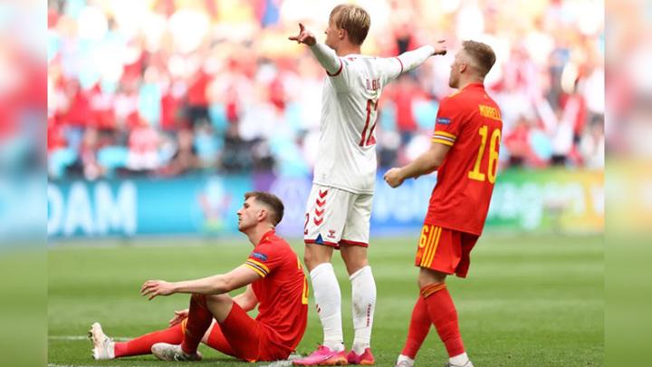 Сборная Дании разгромила Уэльс в 1/8 финала чемпионата Европы