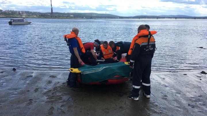 Житель Мурманской области упал с моста в Кольский залив