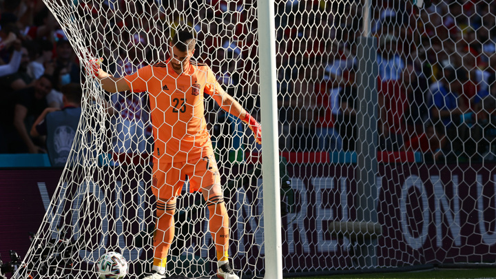 Испанцы забили два мяча: один себе, другой – хорватам