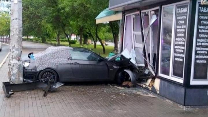 Пешехода разорвало пополам после страшного ДТП в Астрахани