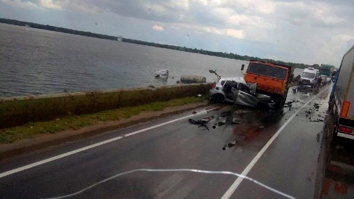 В ДТП на липецкой дамбе погибли два человека