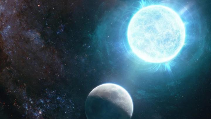 Здесь художник изобразил белый карлик в сравнении с Луной. На самом деле белый карлик находится в 130 световых годах от Земли в созвездии Аквилы.
