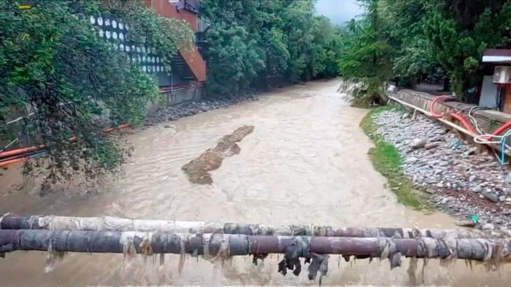 Сильные дожди продолжатся в Крыму еще два дня