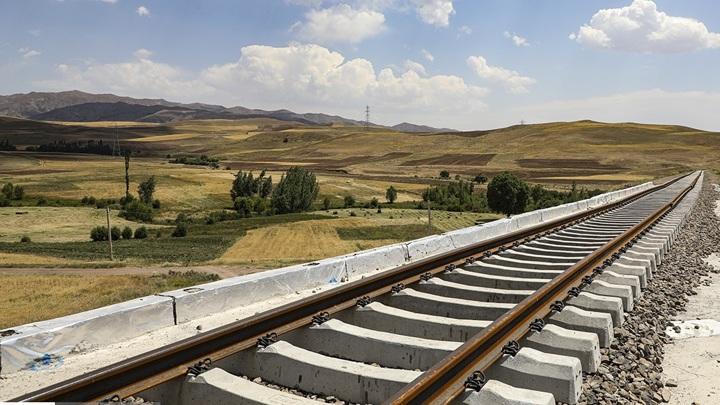 Иран: беспрецедентный хаос на вокзалах по всей стране