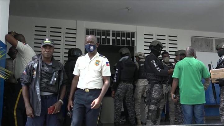 Гаити просят США ввести в страну войска
