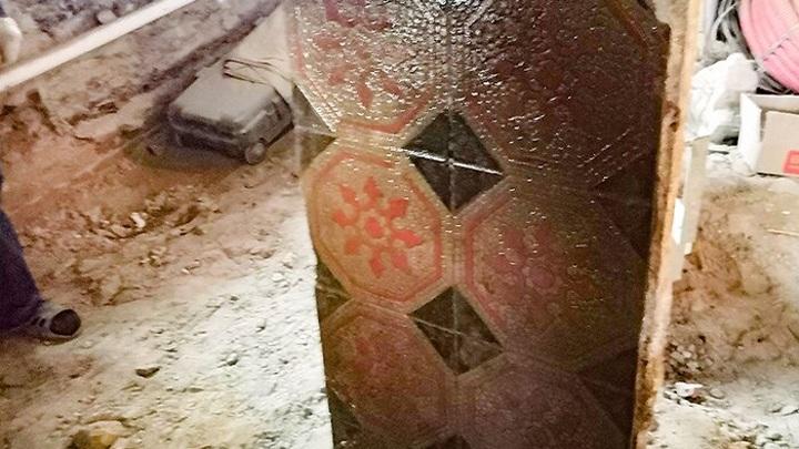 В центре Москвы нашли подлинную метлахскую плитку