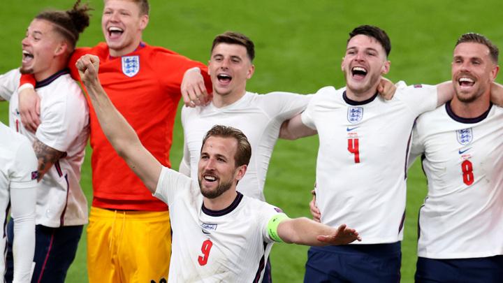 Тренерскому штабу сборной Англии не хватает женщин
