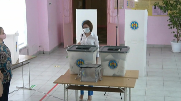 В Молдавии завершилось голосование на досрочных парламентских выборах