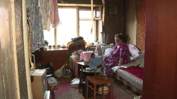 Бастрыкин поручил проверить, почему инвалида заставляют жить в сгоревшем бараке