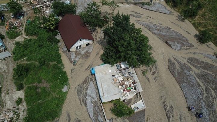 Восстановление дворов после стихии в Крыму начнут не позже октября