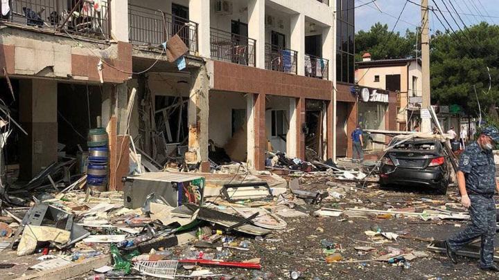 Двое пострадавших при взрыве в Геленджике находятся в реанимации