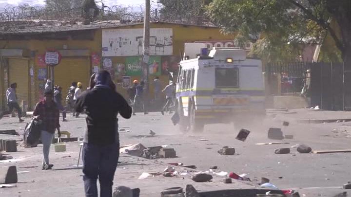 Президент ЮАР: страна столкнуласьс самой сильной вспышкой насилия за всю историю