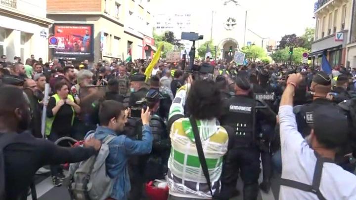 Более 160 тысяч человек вышли на акции протеста по всей Франции