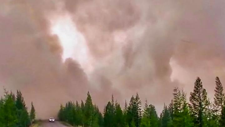 Якутия и Карелия заполыхали лесными пожарами