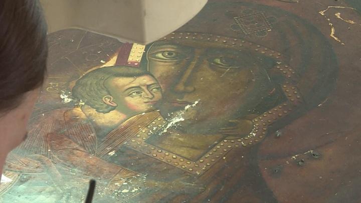Студенты-реставраторы из Академии имени Глазунова завершили восстановление икон XVIII-XIX веков из Галича и Солигалича
