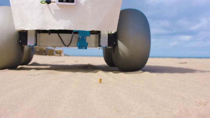 Робот-уборщик очистит пляжи от окурков