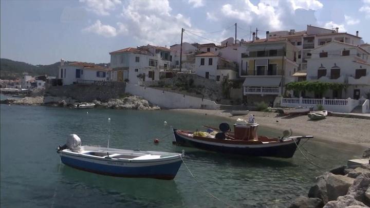 Исчезающее ремесло: в Греции падает производство традиционных деревянных лодок