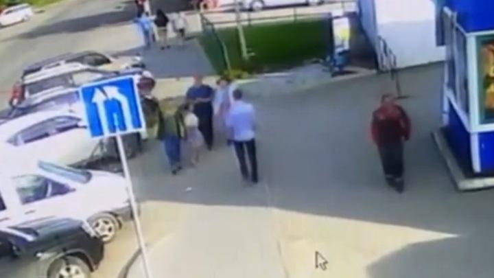 Житель Иркутска порезал отца сбитой им на улице девушки