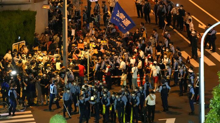 """""""Олимпиада не нужна"""". В Токио протестующие дошли до Национального стадиона"""