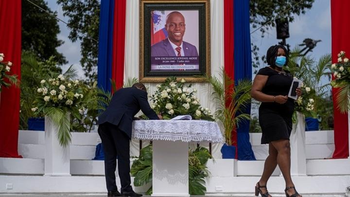 Беспорядки произошли рядом с местом проведения похорон президента Гаити