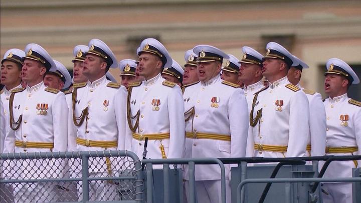 Главный военно-морской парад и супертраулер: планы президента