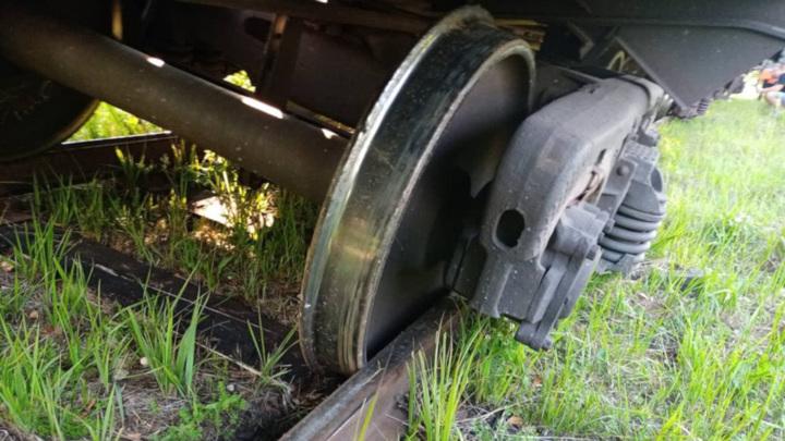Под Вологдой вагоны сошли с рельсов из-за расширения пути