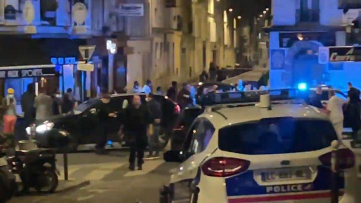 В Париже один человек погиб и шестеро пострадали на террасе бара
