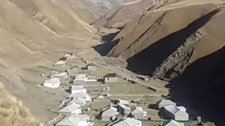 Грязевой поток обрушился на дома в Дагестане