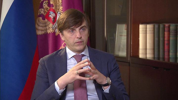 Кравцов: многие школы еще советские и давно требовали капремонта