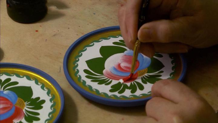 Традиционную волховскую роспись возрождают в Ленинградской области