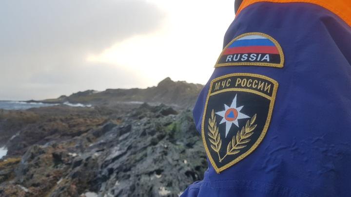 В Мурманской области мужчину, сорвавшегося со скалы, передали медикам
