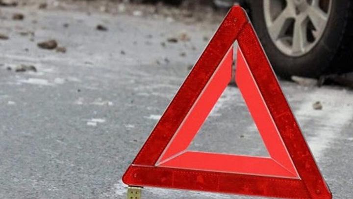 В Новосибирске пенсионер сломал ноги подростку