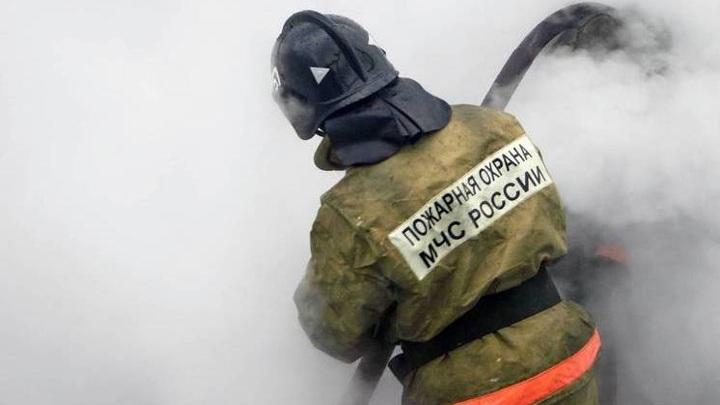В Новосибирске 10 человек эвакуировали из-за пожара в пятиэтажке