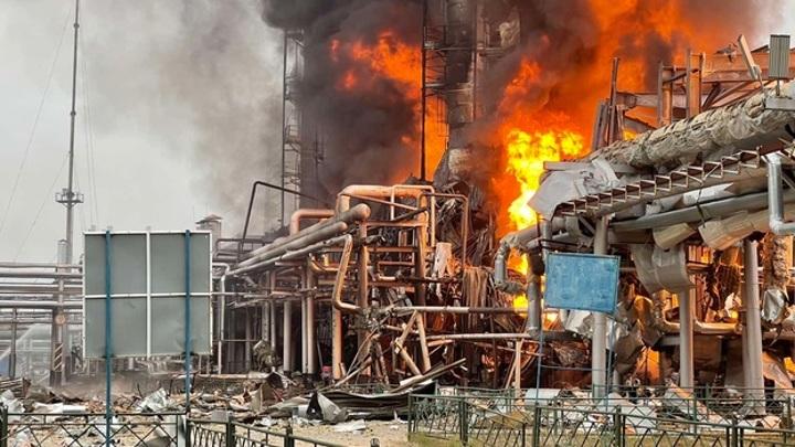 На Ямале горит завод по переработке нестабильного газового конденсата