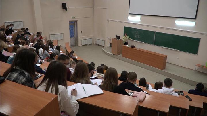 Все иностранные студенты российских вузов смогут вернуться на учебу