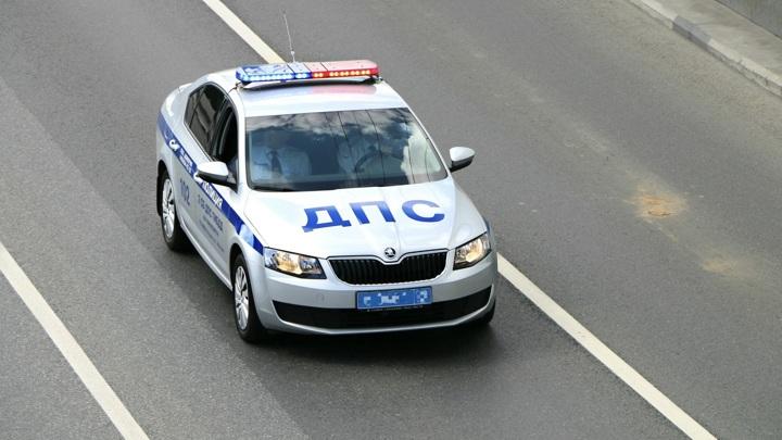 В Костроме мужчина поругался с девушкой и разогнал машину до скорости самолета