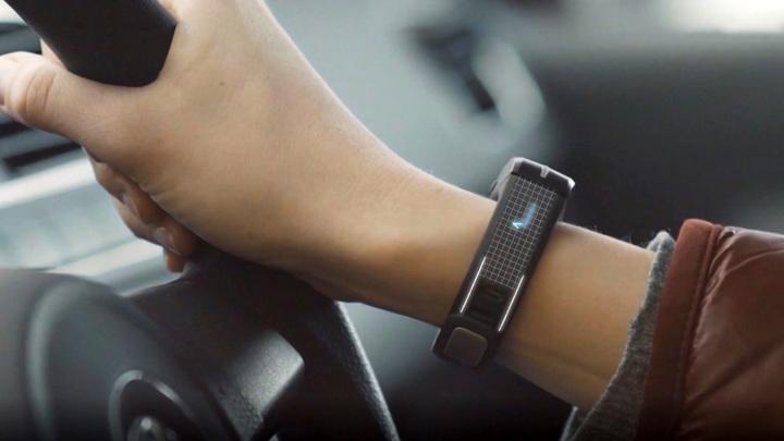 Нейросети и умные браслеты: как работают приборы для контроля состояния водителя