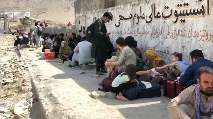 Талибы лишили узбекский статуса госязыка