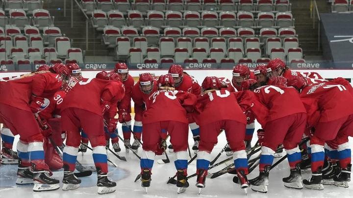 Хоккеистки из России проиграли Финляндии на чемпионате мира
