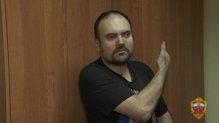 Напавший на москвичку треш-стример переложил вину на блогера-начальника
