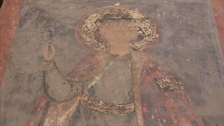 Фрески Спасо-Преображенской церкви в Больших Вяземах разрушаются