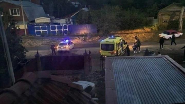 Водитель погиб, сбив пешехода и врезавшись в дом