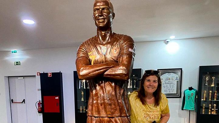 Роналду в шоколаде. Футболисту воздвигли новый памятник