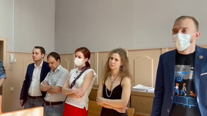 Участнице Pussy Riot Алехиной ограничили свободу на год